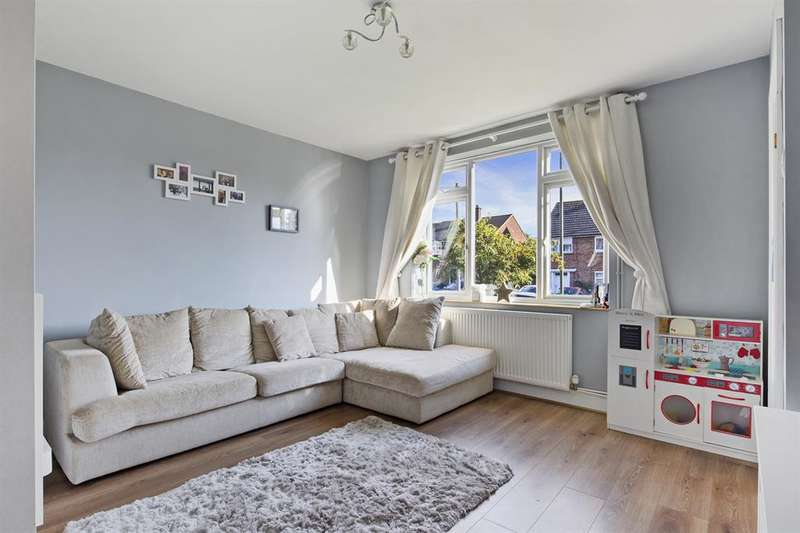 3 Bedrooms House for sale in Malmstone Avenue, Merstham, RH1 3JL