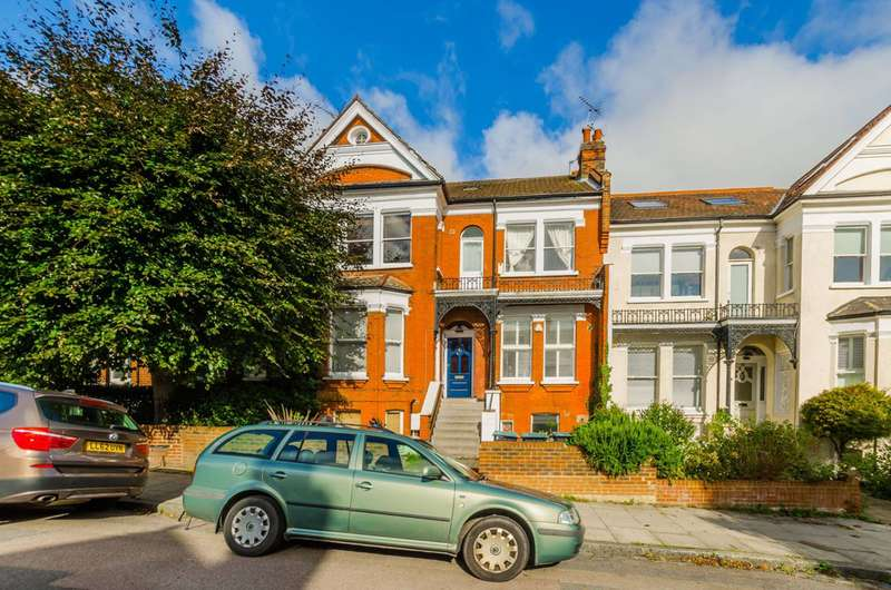 2 Bedrooms Maisonette Flat for sale in Muswell Road, Muswell Hill, N10