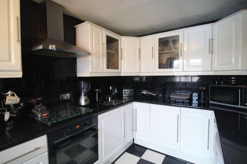 4 Bedrooms Terraced House for sale in Macdonlds close, Oldbury, West Midlands, B69