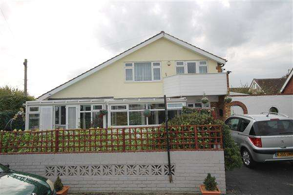 4 Bedrooms House for sale in Crossways, West Clacton