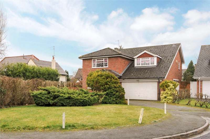 4 Bedrooms Detached House for sale in Carrick Gate, Esher, Surrey, KT10