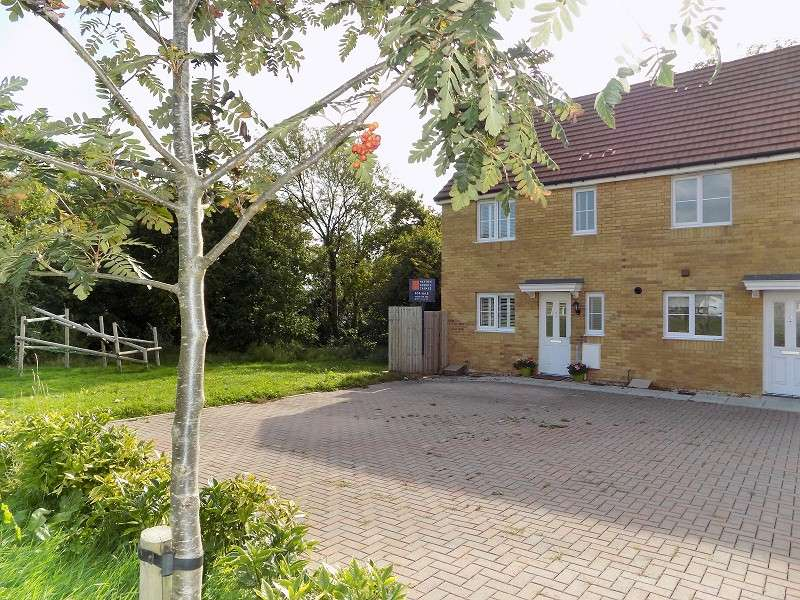 3 Bedrooms Semi Detached House for sale in Wood Green, Cefn Glas, Bridgend. CF31 4AT