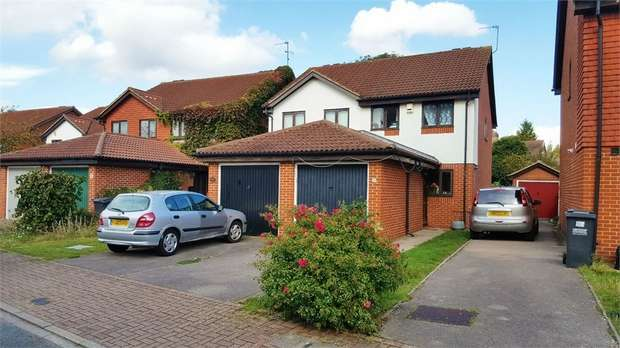3 Bedrooms Semi Detached House for sale in Watlings Close, Croydon, Surrey
