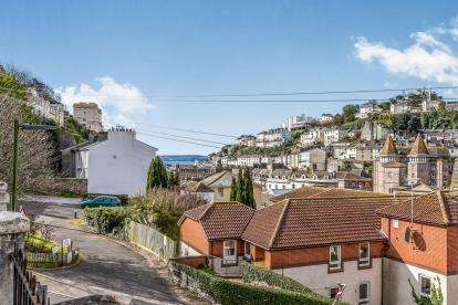 3 Bedrooms Terraced House for sale in Torquay