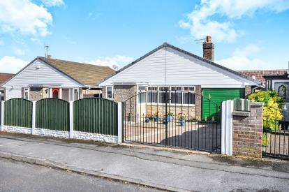 3 Bedrooms Bungalow for sale in Courtfield Road, Skegby, Nottinghamshire, Notts