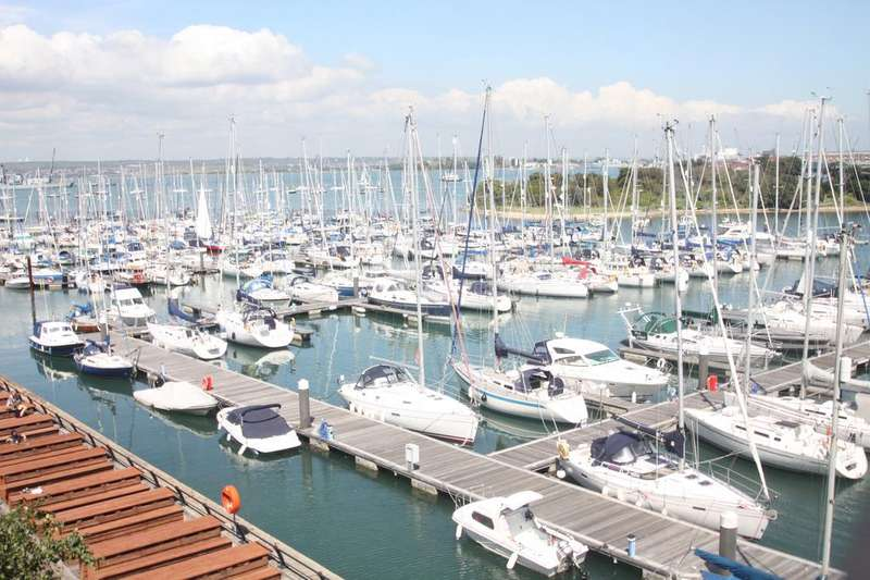 2 Bedrooms Apartment Flat for sale in The Granary and Bakery, Royal Clarance Yard, Gosport PO12
