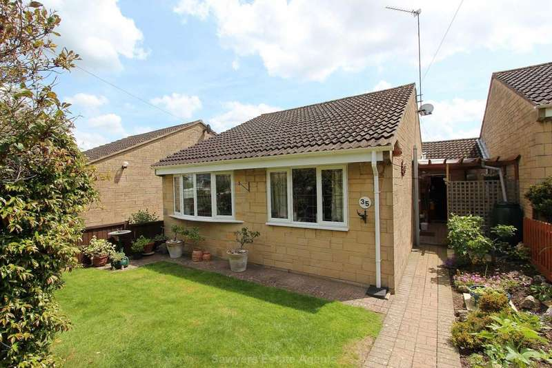 2 Bedrooms Bungalow for sale in Paynes Meadow, Whitminster