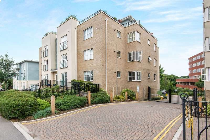 2 Bedrooms Flat for sale in Coxford Road, Southampton, SO16