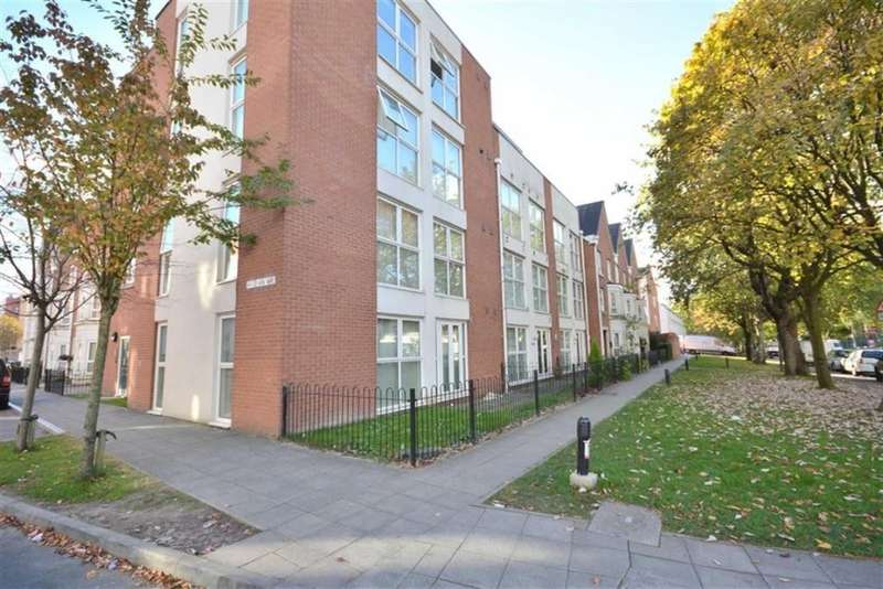 2 Bedrooms Apartment Flat for sale in Rowan Way, Salford, M7