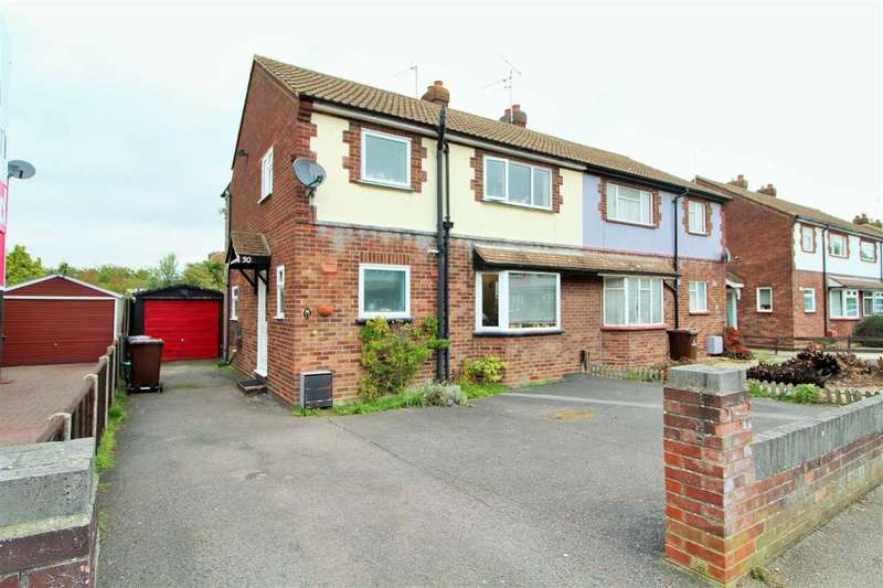 5 Bedrooms Semi Detached House for sale in Ash Grove, Colchester
