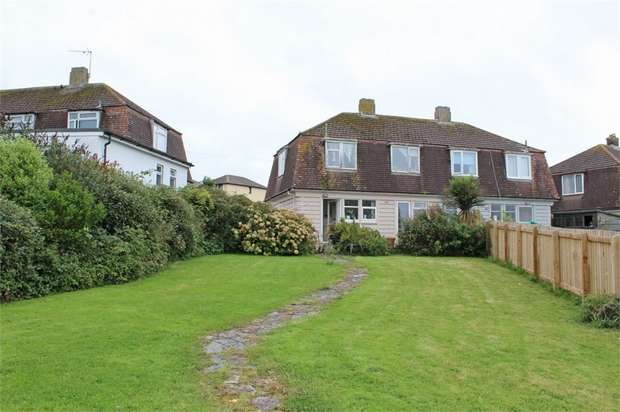3 Bedrooms Semi Detached House for sale in Boyd Avenue, Padstow, Cornwall