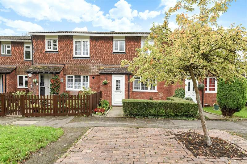3 Bedrooms Terraced House for sale in Westwood Close, Ruislip, Middlesex, HA4