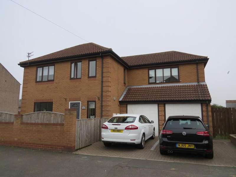 4 Bedrooms Detached House for sale in East Ford Road, Stakeford, Choppington