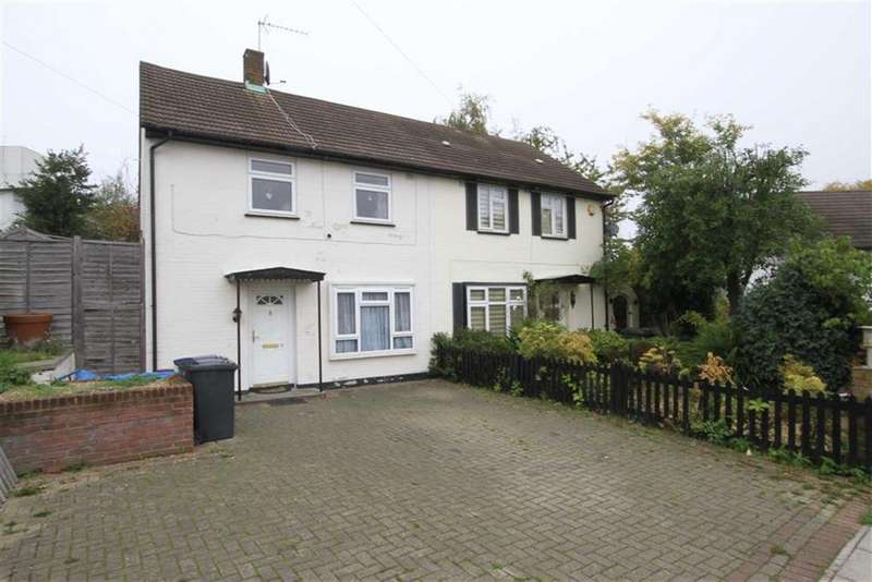 3 Bedrooms Semi Detached House for sale in Wellside Close, Barnet, Herts, EN5