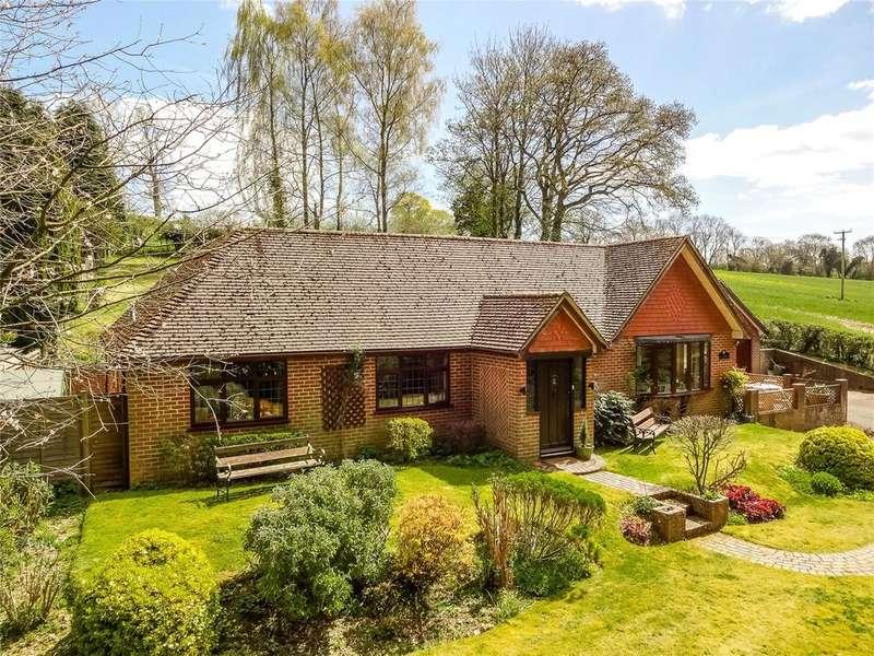 4 Bedrooms Detached Bungalow for sale in Green Lane, Ellisfield, Basingstoke, Hampshire