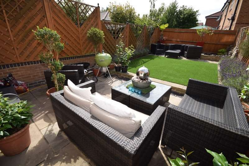 3 Bedrooms Terraced House for sale in Massingberd Way, London, London, SW17