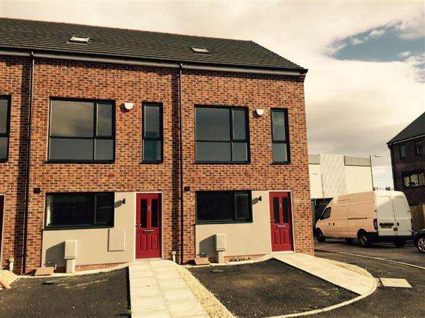 4 Bedrooms Semi Detached House for rent in Green Lane, Stoneycroft, Liverpool