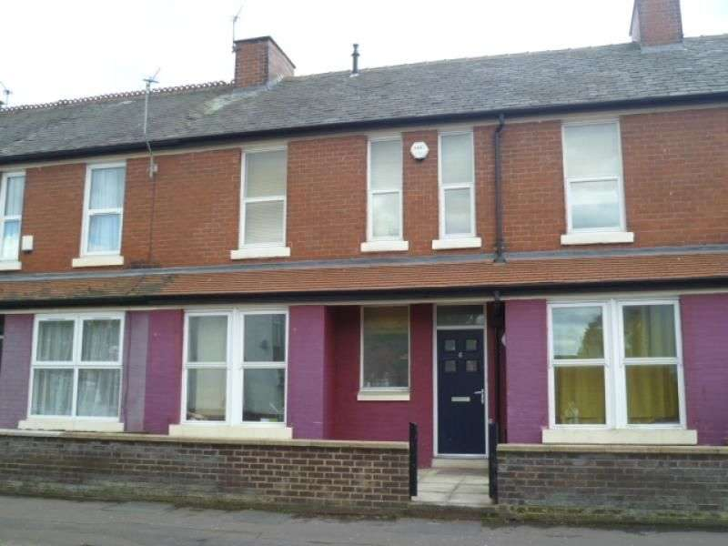 5 Bedrooms Property for rent in Great Southern Street, Rusholme, Manchester, M14