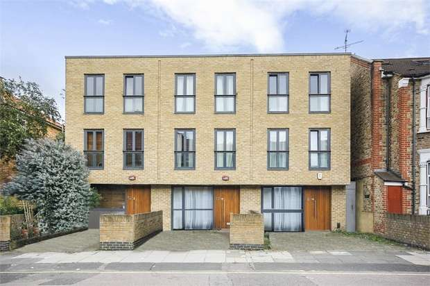 3 Bedrooms End Of Terrace House for sale in Sydney Road, London
