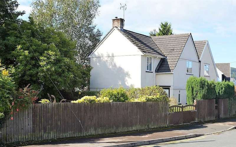 3 Bedrooms Semi Detached House for sale in The Uplands, Rogerstone, Newport
