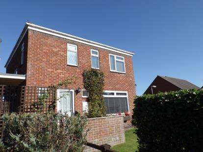 3 Bedrooms Detached House for sale in Salisbury, Wiltshire
