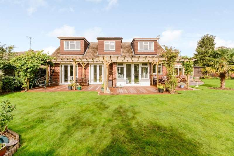 4 Bedrooms Bungalow for sale in West Horsley