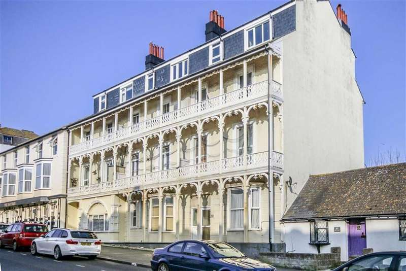 3 Bedrooms Flat for sale in Pelham Road, Seaford