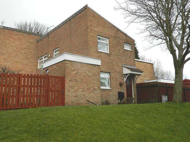 3 Bedrooms Town House for sale in Brookfield Road, Barkerend, Bradford, BD3 0RW