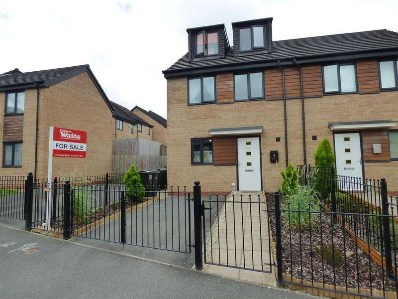 3 Bedrooms Semi Detached House for sale in Roundwood Avenue, Greengates, Bradford, BD10 0LE