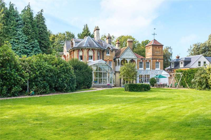 4 Bedrooms House for sale in Turners Hill Road, Crawley Down, West Sussex, RH10