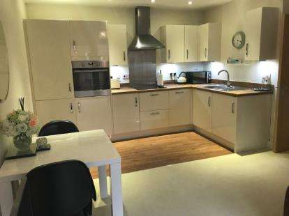 1 Bedroom Flat for sale in London Road, Horndean, Waterlooville