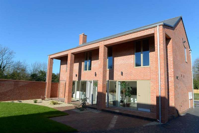 4 Bedrooms Detached House for sale in The Rowans, Humberston, Grimsby