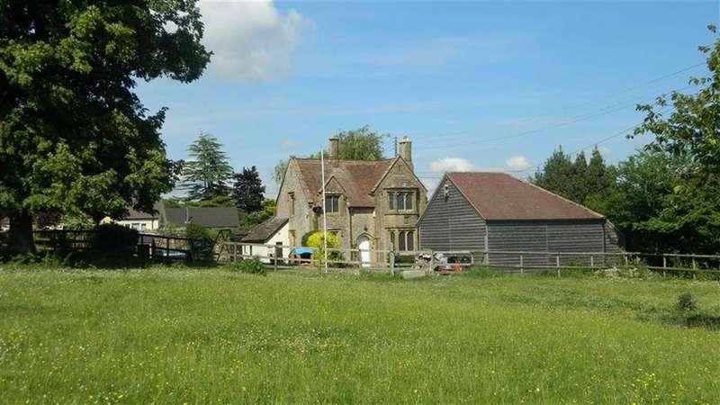 3 Bedrooms Detached House for sale in Yeovil Road, East Coker, Yeovil, Somerset, BA22