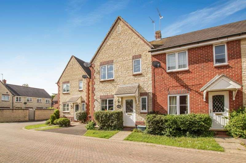 3 Bedrooms Property for sale in Corncrake Way, Bicester