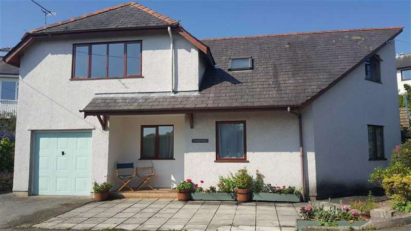 3 Bedrooms Detached House for sale in Lon Tyddyn Iolyn, Benllech, Isle Of Angelsey