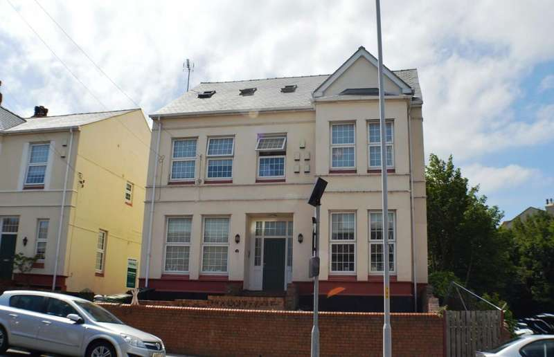 8 Bedrooms Flat for sale in Rowson Street, Wallasey,