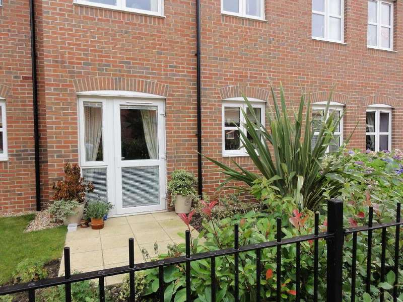 1 Bedroom Flat for sale in Barnes Wallis Court, Howden, East Yorkshire