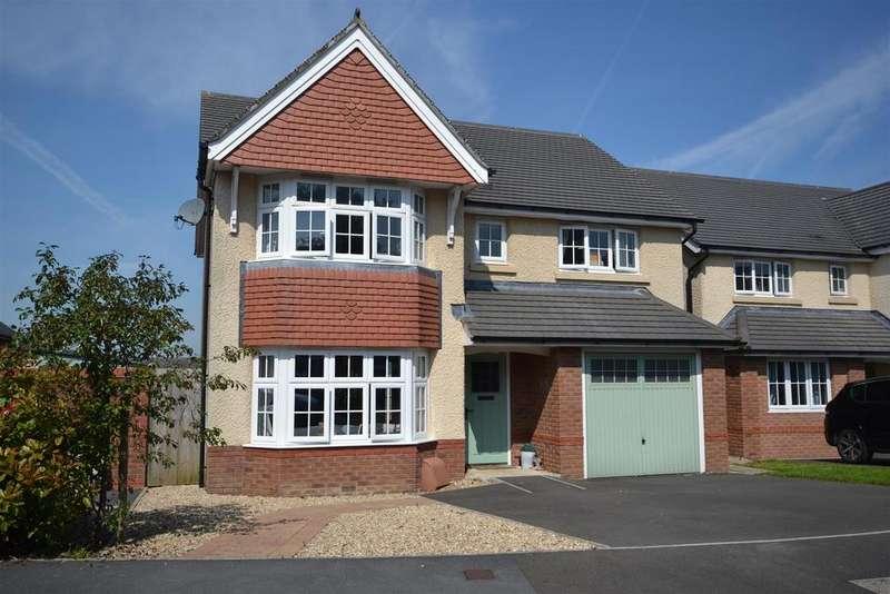 4 Bedrooms Detached House for sale in Llangunnor, Carmarthen
