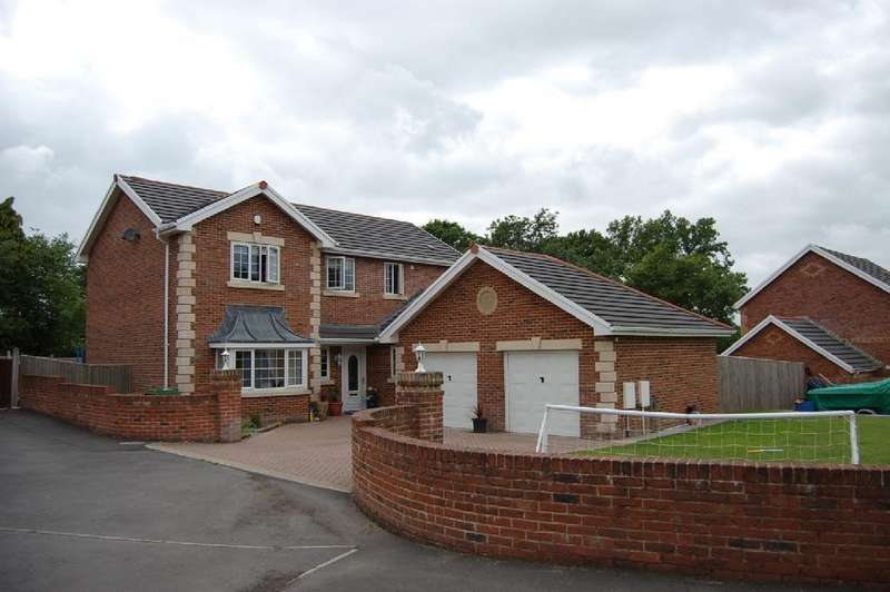 4 Bedrooms Detached House for sale in Llys Y Deri, Hopkinstown, Ammanford