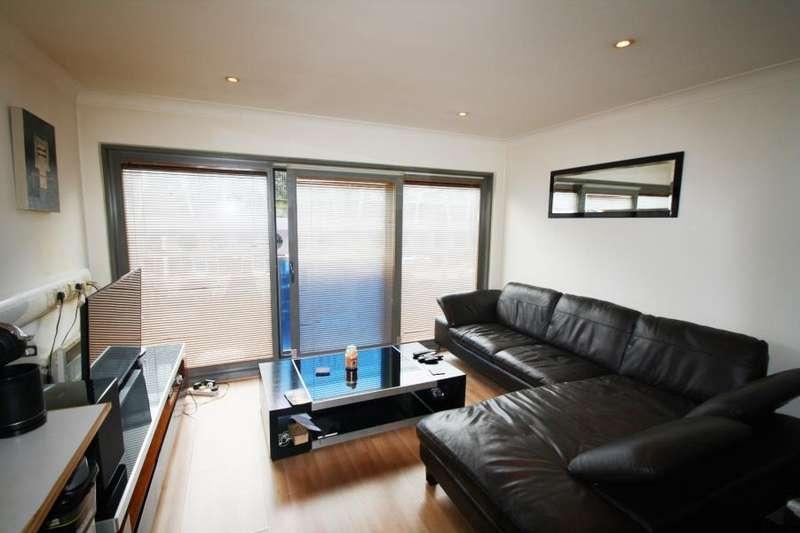 Studio Flat for sale in CITISPACE WEST, 2 LEYLANDS ROAD, LEEDS, LS2 7JS