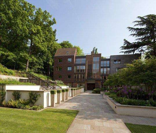 4 Bedrooms Apartment Flat for sale in 49 The Bishops Avenue, N2