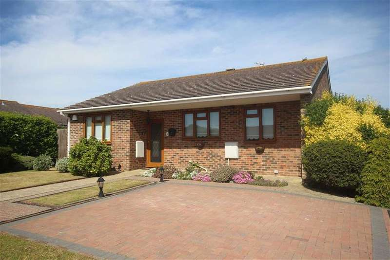 3 Bedrooms Detached Bungalow for sale in Ladycross Close, Seaford