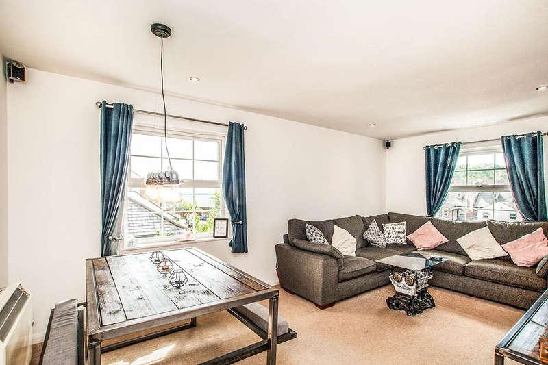 2 Bedrooms Flat for sale in Fourdrinier Way, Apsley, Hemel Hempstead, HP3