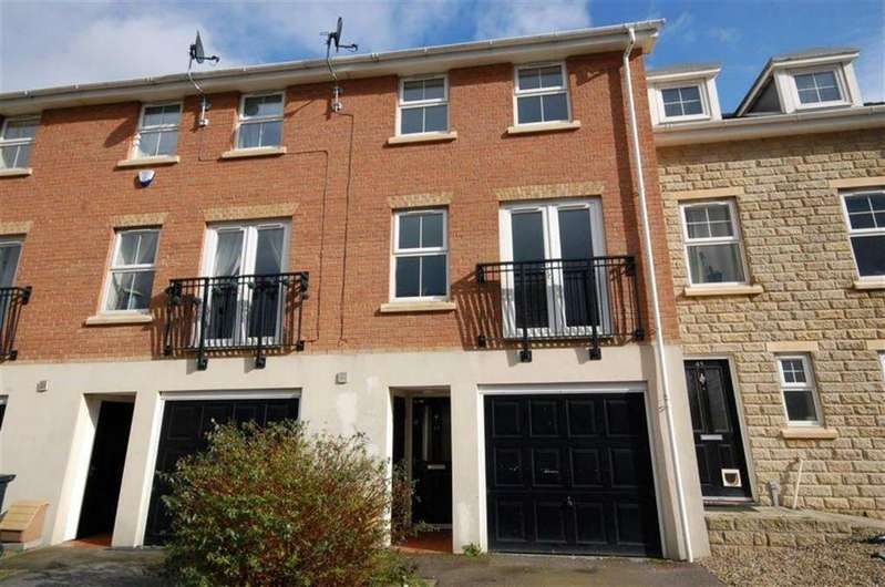 4 Bedrooms Terraced House for sale in Redberry Avenue, Heckmondwike, WF16