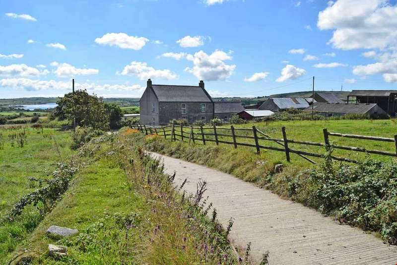 4 Bedrooms Detached House for sale in Stithians, Cornwall, TR16