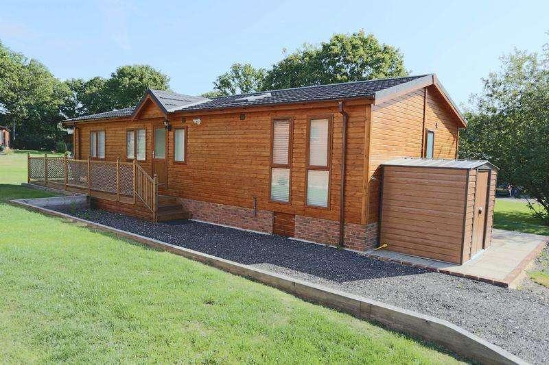 2 Bedrooms Bungalow for sale in Wineham Lane, HENFIELD