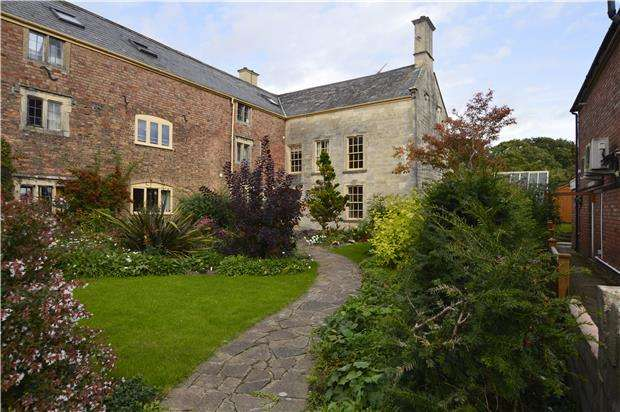 6 Bedrooms End Of Terrace House for sale in High Street, Stonehouse, Gloucestershire, GL10 2NG