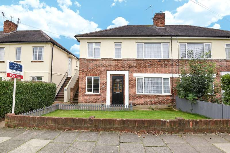 2 Bedrooms Maisonette Flat for sale in Northdown Close, Ruislip, Middlesex, HA4