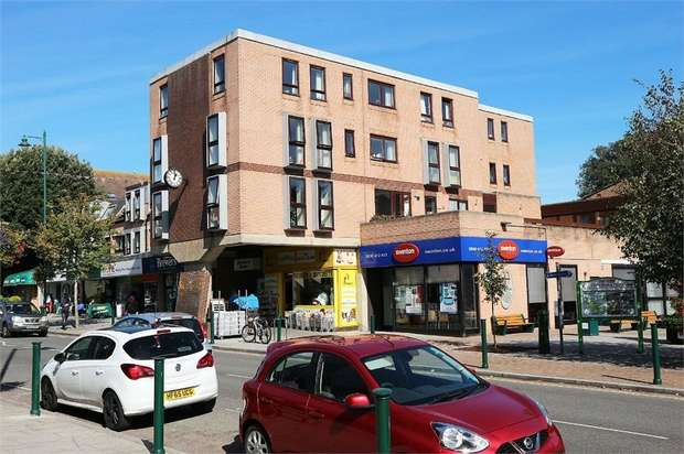 1 Bedroom Flat for sale in Station Road, New Milton, Hampshire