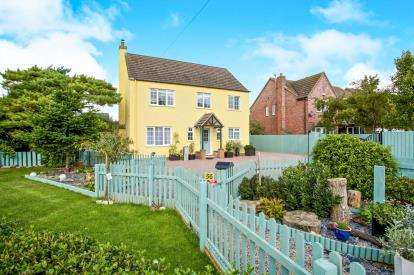 5 Bedrooms Detached House for sale in Manea, March, Cambridgeshire
